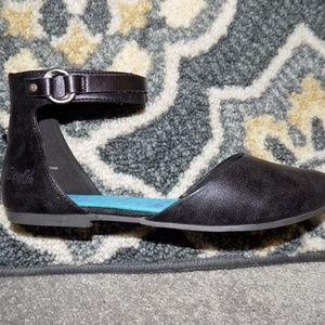 Black Blowfish Zate ankle strap flats size 8